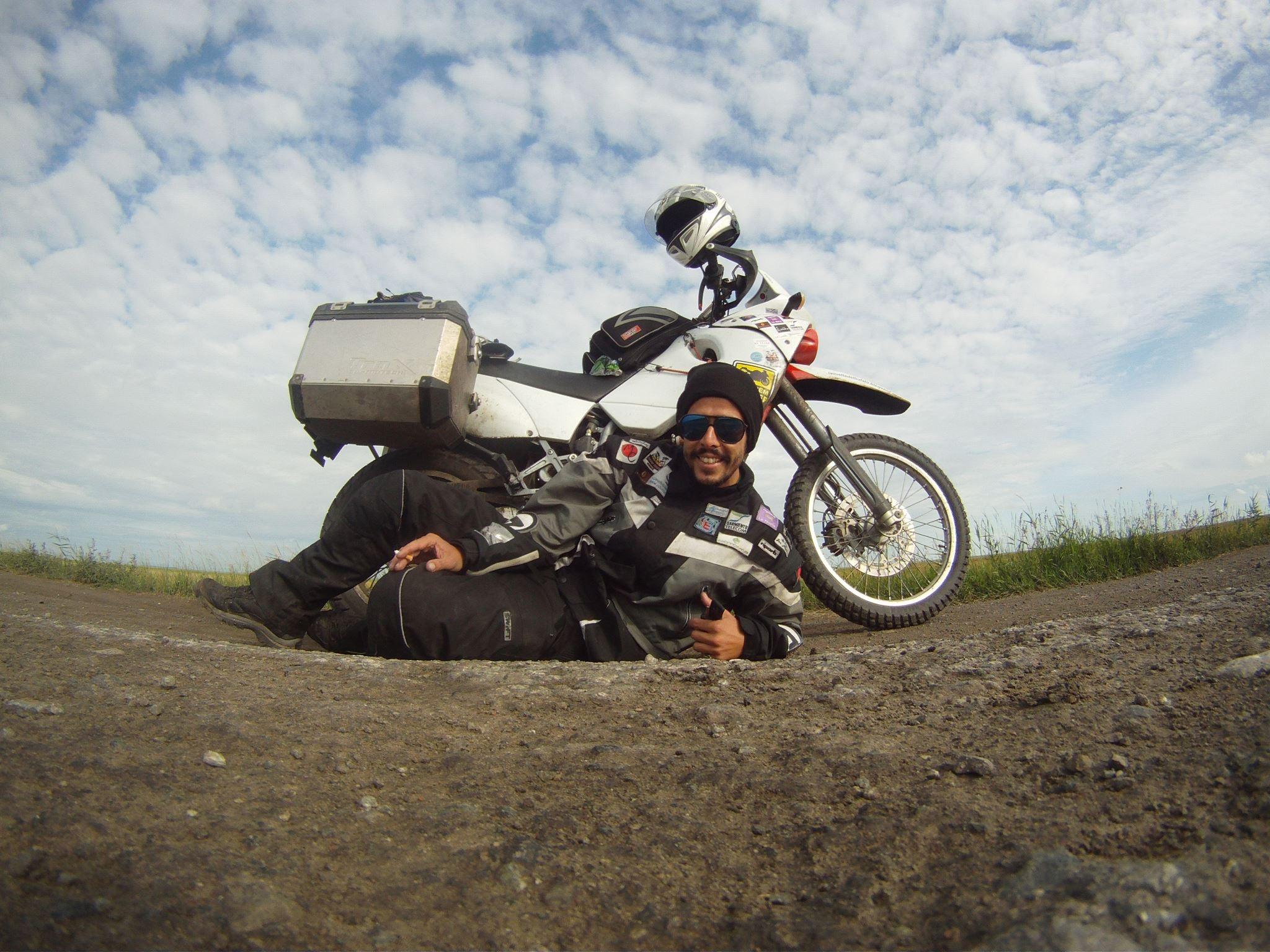 Aventura o turismo en moto y una tortilla de patatas