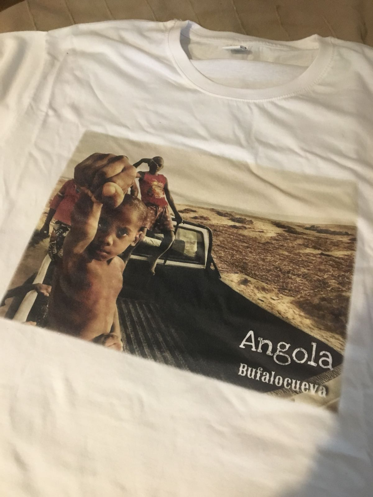 Camiseta exclusiva Angola